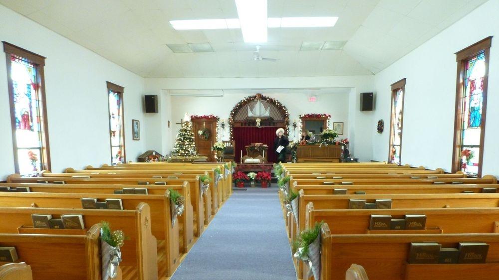Brooker Baptist sanctuary