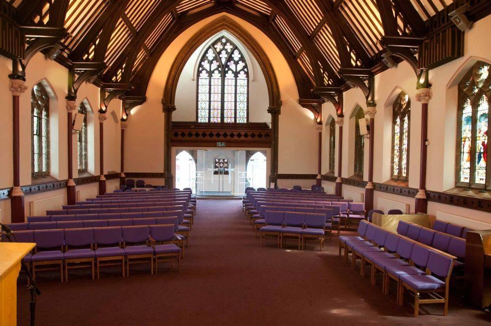 St James Woolton Liverpool inside church