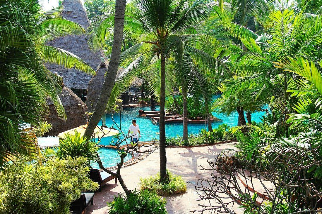 resort & hotels, british & far east traders & partners