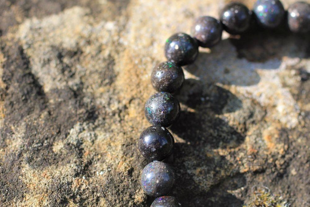 Opale noir noble d'Australie