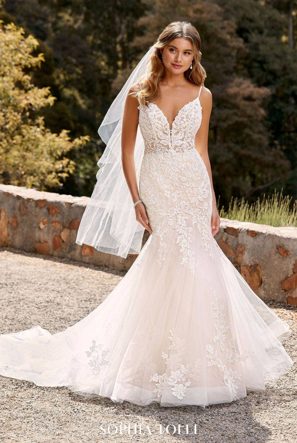 fit and flare wedding dress, sparkly wedding dress, beautiful, lace, organza