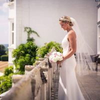 Wedding abroad, lightweight wedding dresses, ivory mermaid dress, lace beaded wedding dress