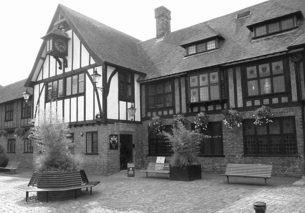 Kent Ghost Hunts, Paranormal Nights, Sandwich Guildhall Ghost Hunts