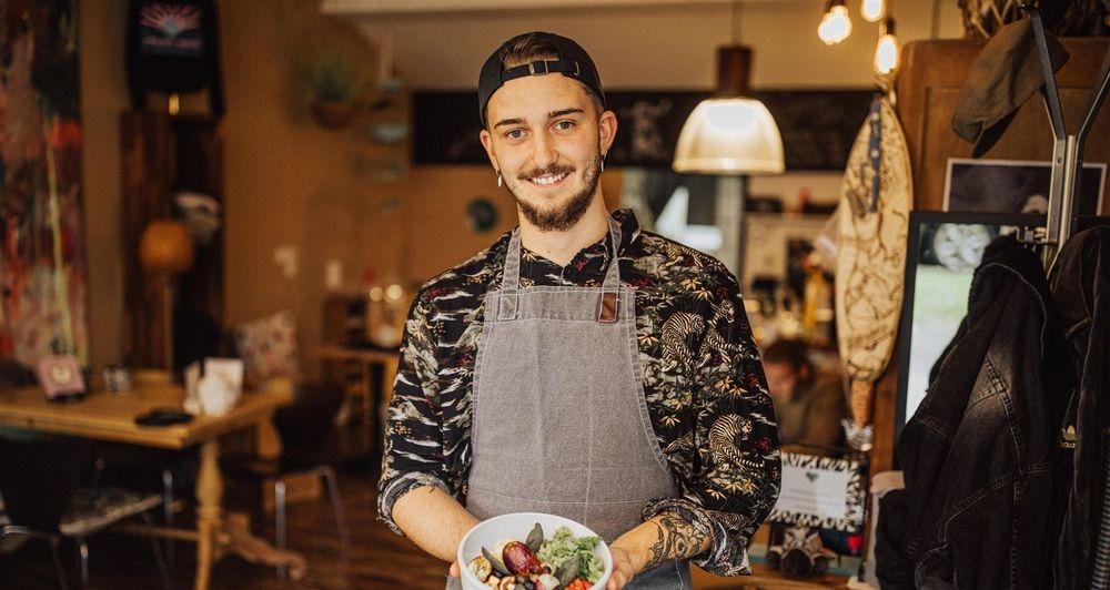 Cafe Wonder München Kaffee Besitzer Owner regional Bowl Frühstück Neuhausen Lunch Vegan Yoga