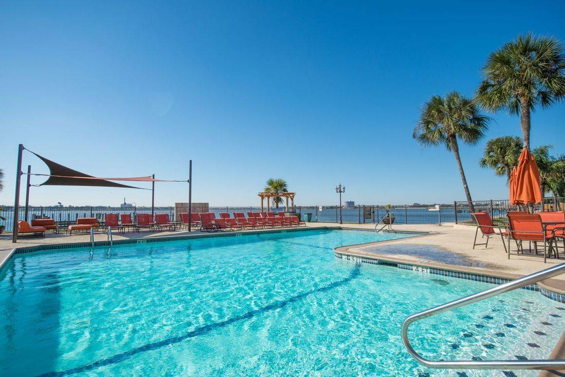 Clear Lake,  apartments with pool overlooking the lake,