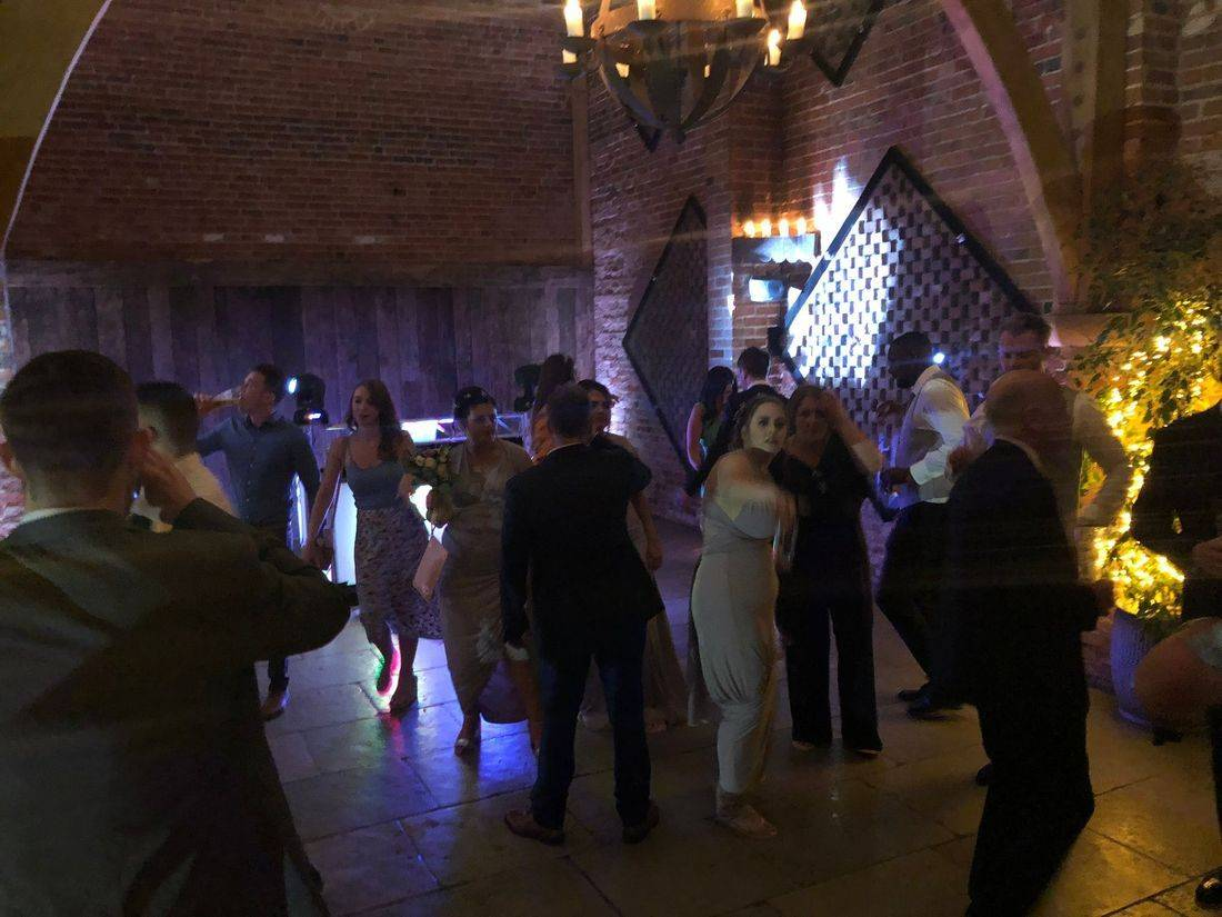 Wedding DJ Ollie Clarke Birmingham Stourbridge Warickshire West Midlands WeddingDJ
