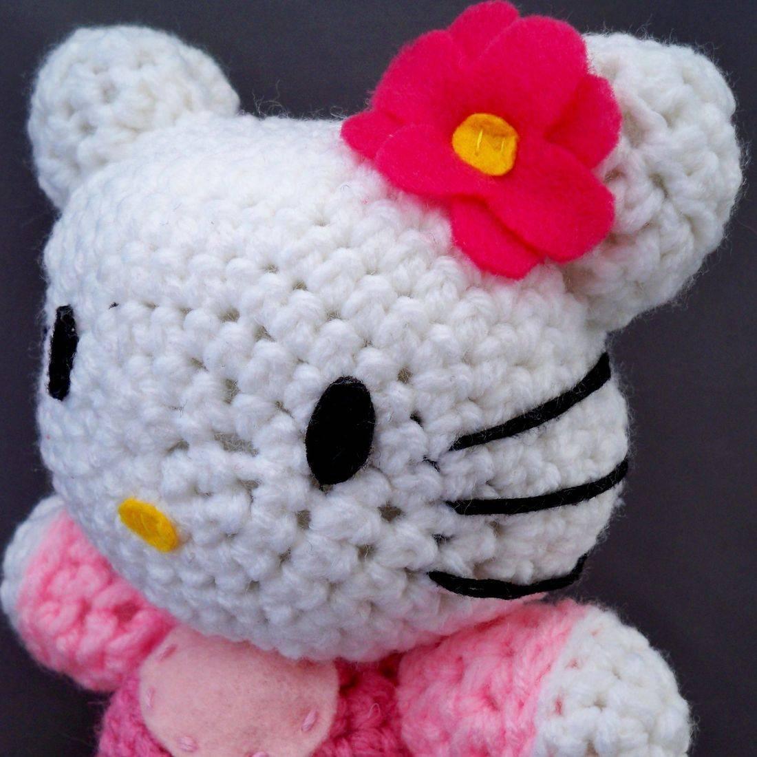Hello Kitty, HK, Japan, Japanese, feline, anime, otaku, nerd, geek, crochet, amigurumi, plush, doll, pink