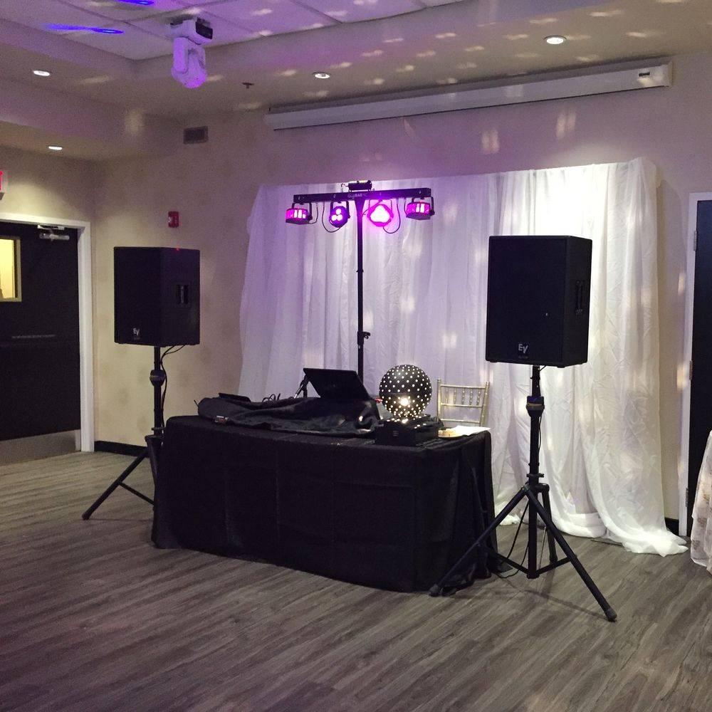 Wedding DJ in Hamilton