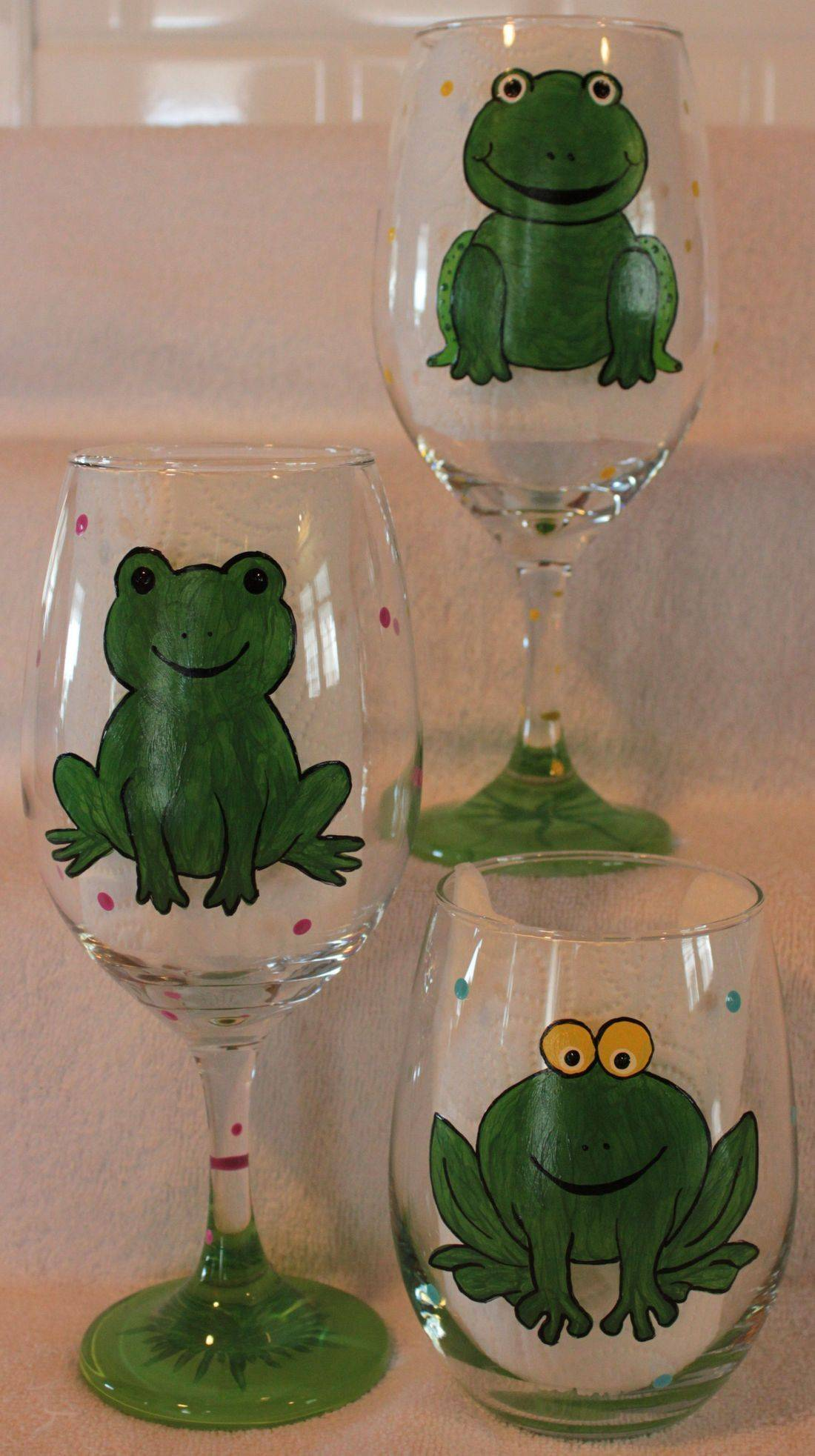 frog wine glass