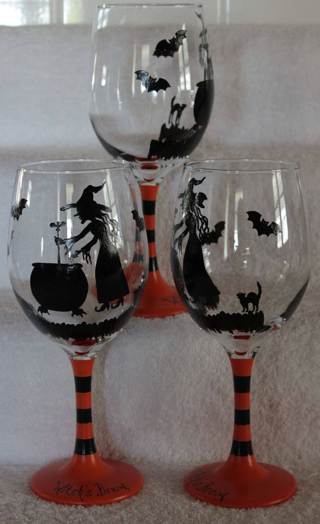 Halloween wine glass, witch wine glass, witch and cauldron