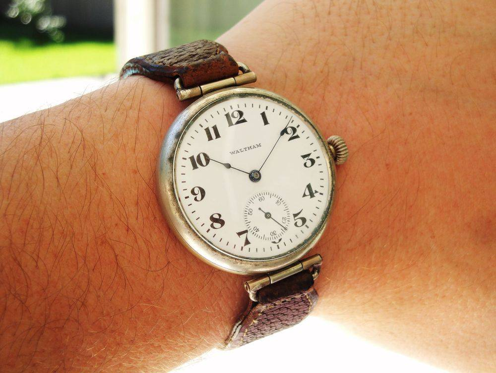1917 WWI GIANT Size 6s, 39mm Waltham General Joffre Trench Watch