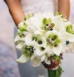 Bouquet de fleurs et mariée