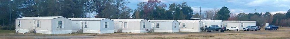 lodging, trailers, rentals, satellite TV, Air conditioned, comfort, amenities