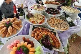 Feeding Your Yacht Wedding Guests