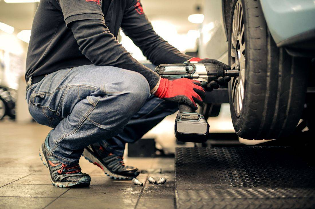 Tyre repair and fitting