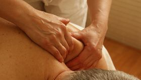 Therapeutic deep tissue massage for pain relief