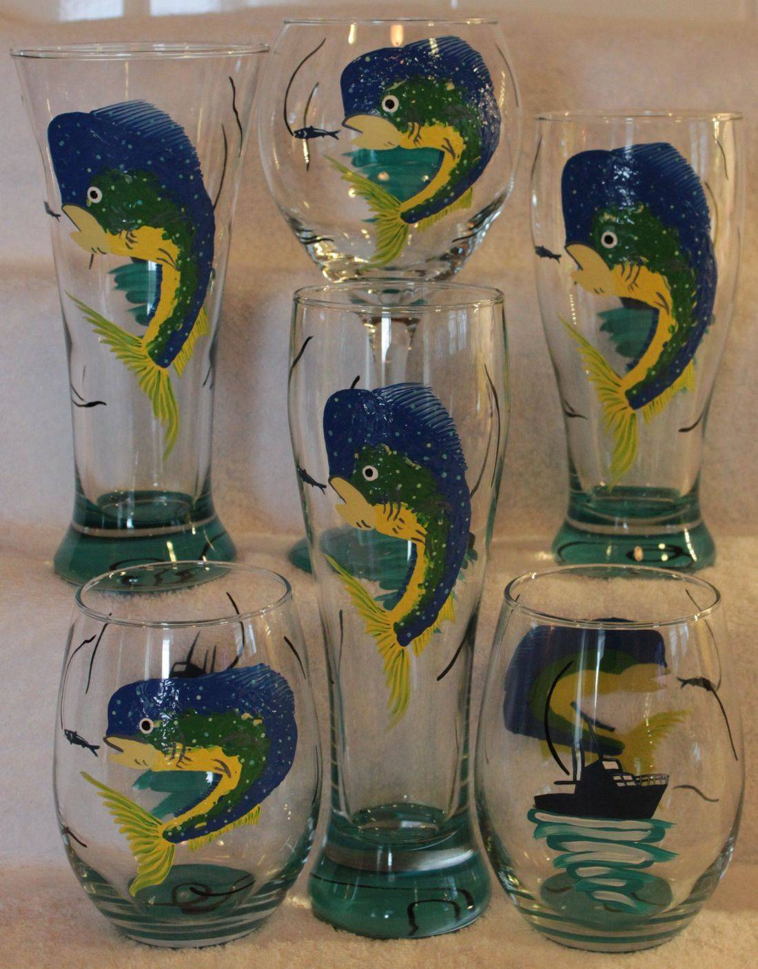 dolphin fishing glass, fish wine glass, sport fishing wine glass