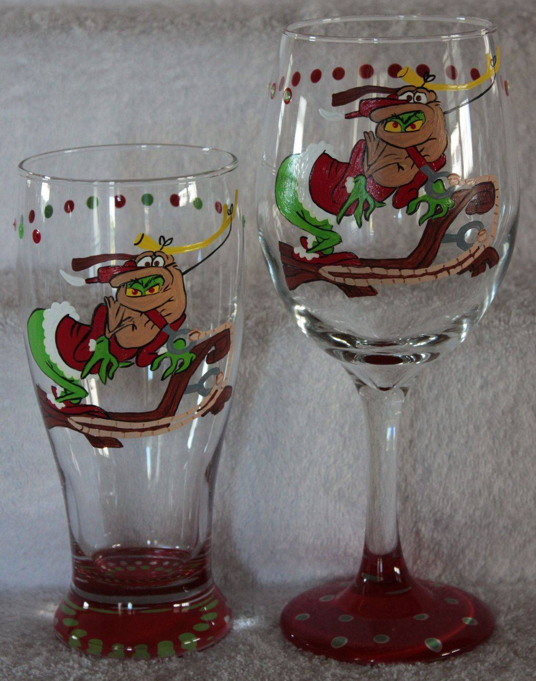 Grinch wine glass, Grinch and max wine glass, Christmas Wine Glass, Max and Grinch Wine Glass