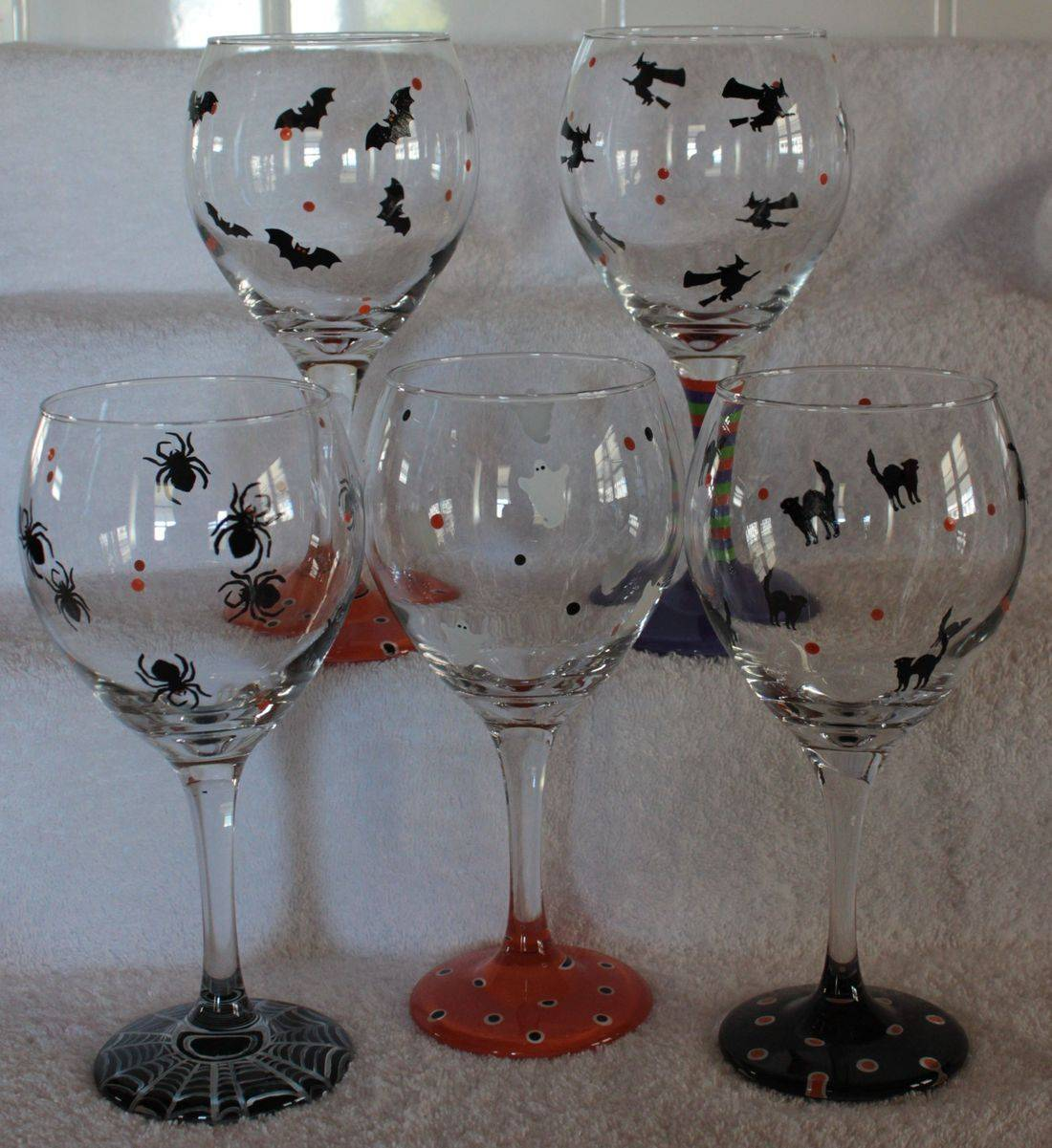 Halloween wine glass, bat wine glass, cat wine glass, spider wine glass, witch wine glass, ghost wine glass