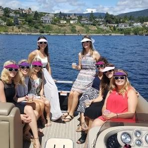 Book you Stagette Boat Tour with us!