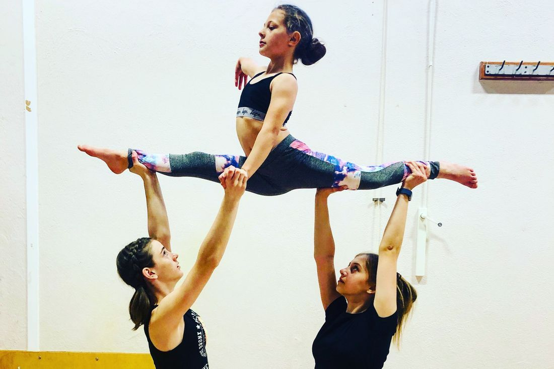 Acrocirque, acrobatics, gymnastics