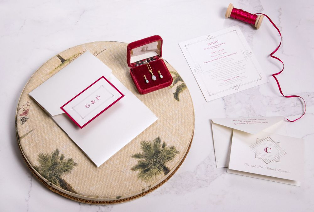 Show off your darling style with a magnificent deco designed invitation.