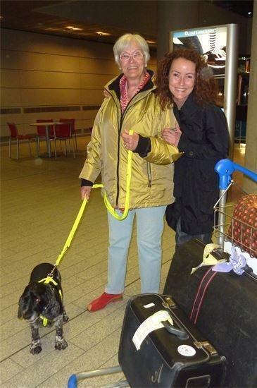 La maman de Chris et sa soeur Délia avec Cadiz sauvé en 2001 par Chris, Cadiz était dans une pouvelle de la ville de Cadiz dans un sachet, il avait 6 semaines.