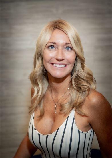 Jennifer Oconnell stylist