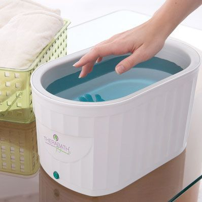 Professional Paraffin Bath provides excellent moisturizing and deep penetrating heat