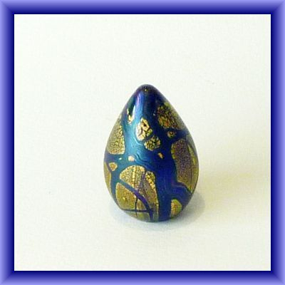 ISLE OF WIGHT GLASS/Golden Peacock egg shaped paperweight