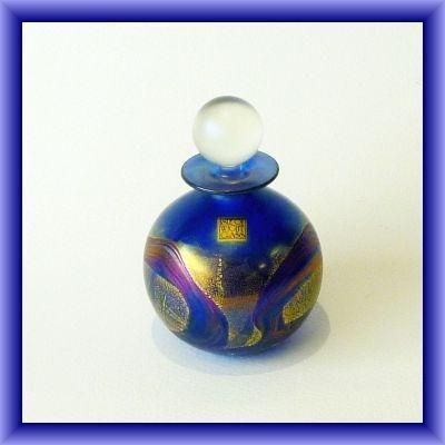ISLE OF WIGHT GLASS/Golden peacock spherical perfume bottle 13cm