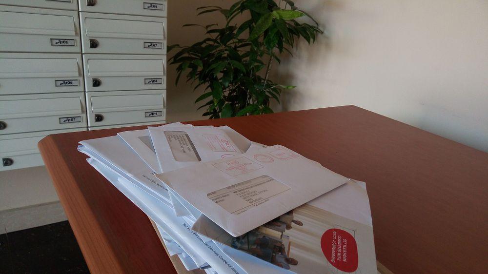 Receive your mail at R and M Services