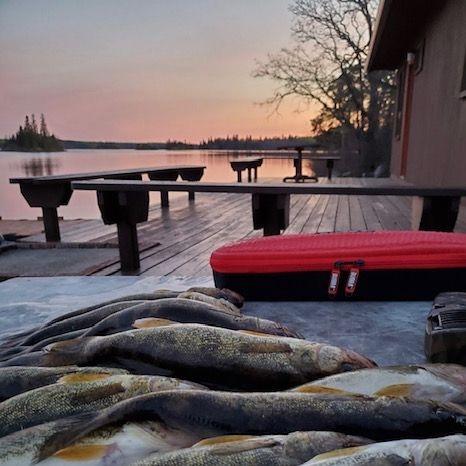 fishing Manitoba cabin rentals hunting walleye small mouth bass perch northern pike boat motors