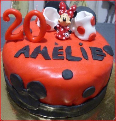 Réalisation d'un gâteau anniversaire