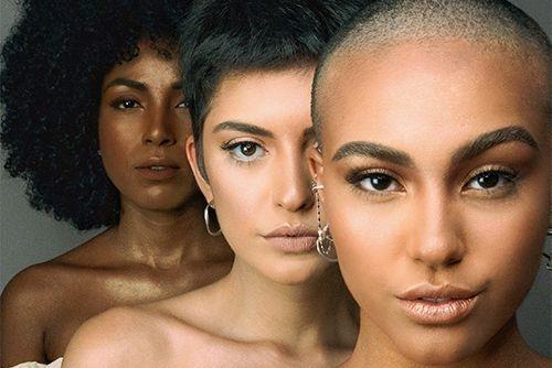 Models 3er Gruppe unterschiedliche Hautfarbe