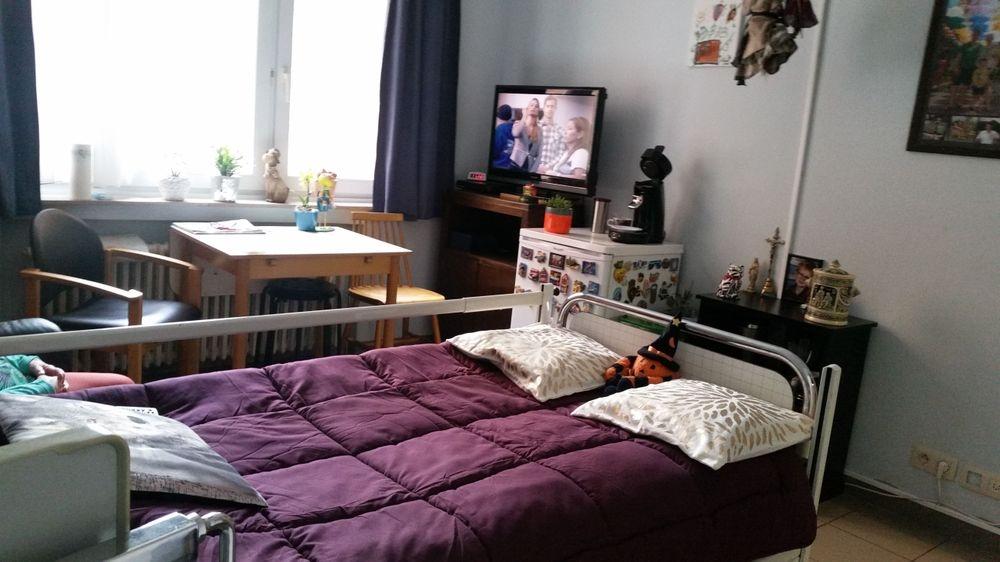 chambre seule meublée