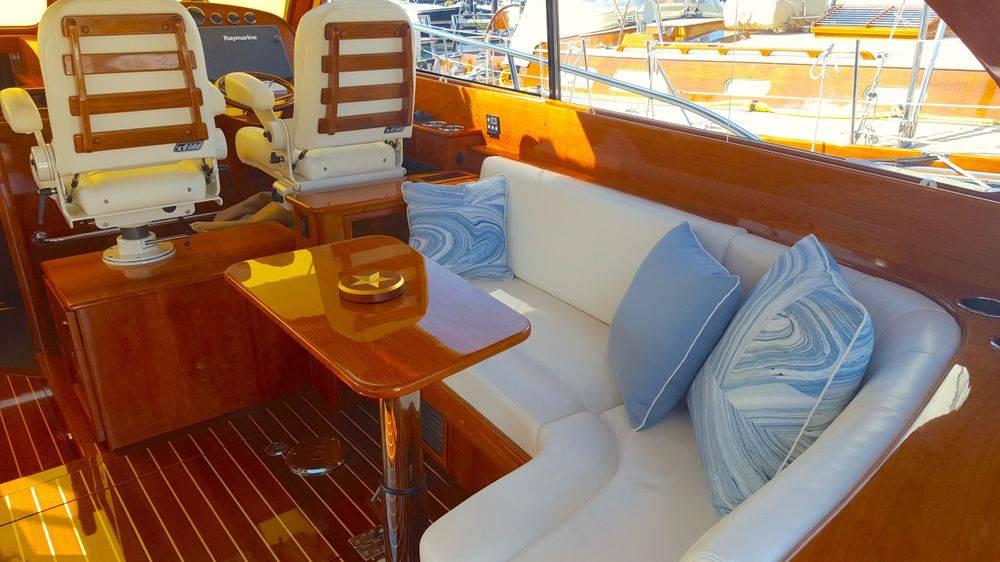 Hinckley yachts, Hinckley T43, Newport Yacht Interiors