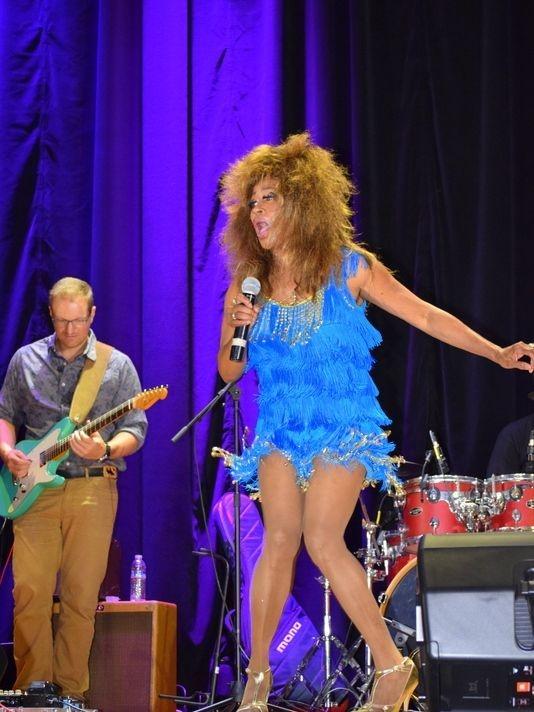 Kiesha Wright performing as Tina Turner