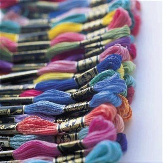 Stickgarn bei Casa di Lana/ Haus der Wolle in allen Farben für 1,-€/ Strang
