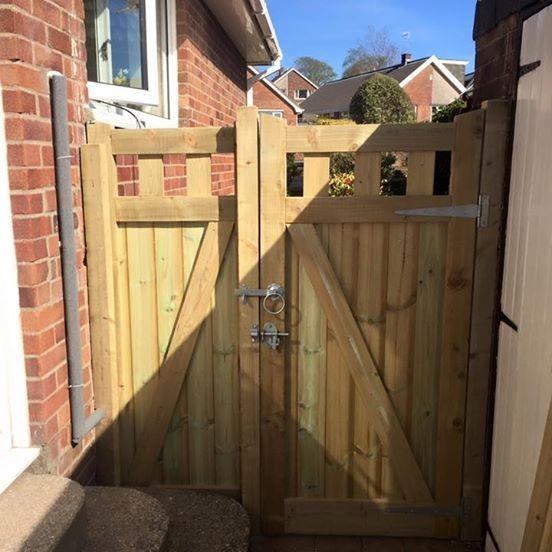 Pendine Gate by Simon Thomas Carpentry Swansea