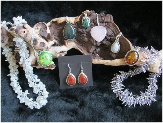 Gemstone, semi precious, ameythst, lapis lazuli, moonstone, malachite, mohave, south western, red onyx, smokey quartz, bloodstone, rose quartz, peridot, citrine, amber,