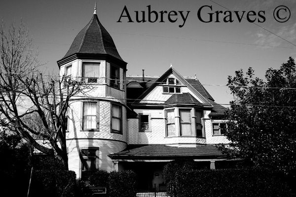 haunted  Golden Gate Villa