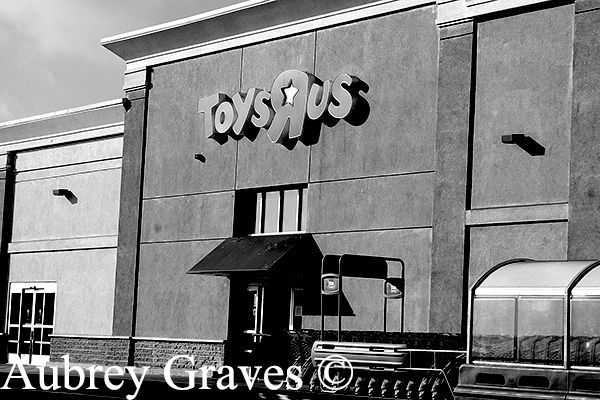 ghost Toys 'R' Us, Sunnyvale haunted