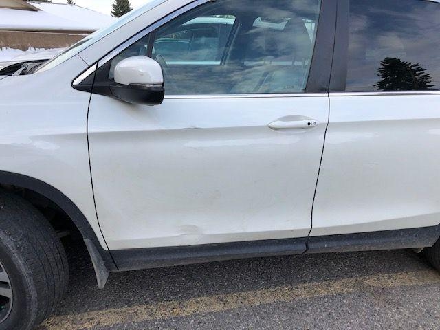 2017 Honda Pilot front Door damage