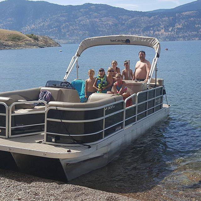 Family fun time with Vines & Views Boat Tours