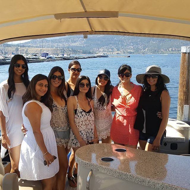 Book a Stagette Boat Tour with us.