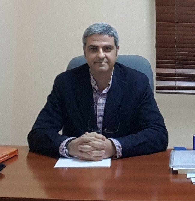 El psicólogo, Julio Flores, en su despacho
