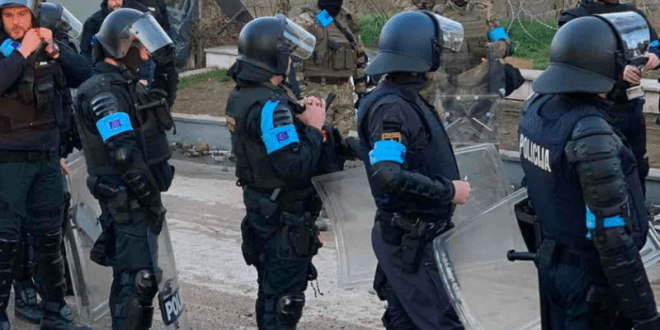 Turkish soldier fires at Frontex officers in Greece