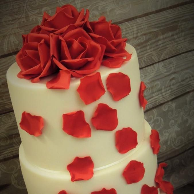 Red Rose White Wedding Cake Petals Love