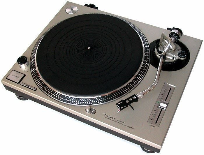 Technic 1200 turntables for rent